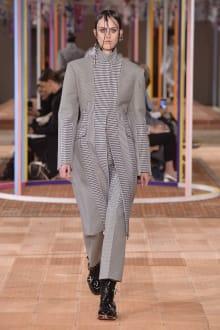 Alexander McQueen -Women's- 2018SS パリコレクション 画像27/46