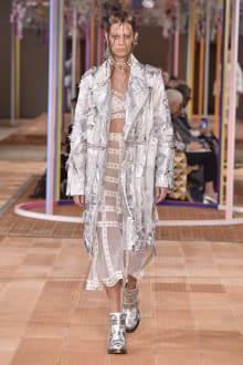 Alexander McQueen -Women's- 2018SS パリコレクション 画像28/46