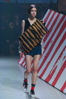 Vivienne Westwood Anglomania 東京コレクション 画像8/35