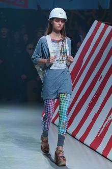 Vivienne Westwood Anglomania 東京コレクション 画像17/35