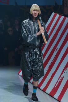Vivienne Westwood Anglomania 東京コレクション 画像25/35