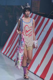 Vivienne Westwood Anglomania 東京コレクション 画像32/35
