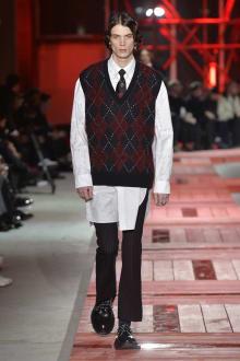 Alexander McQueen -Men's- 2018-19AW パリコレクション 画像10/40