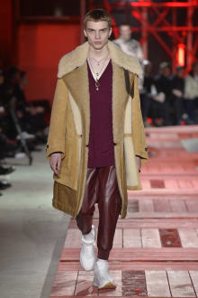Alexander McQueen -Men's- 2018-19AW パリコレクション 画像17/40
