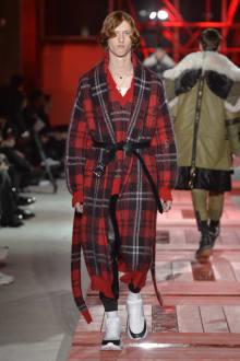 Alexander McQueen -Men's- 2018-19AW パリコレクション 画像25/40