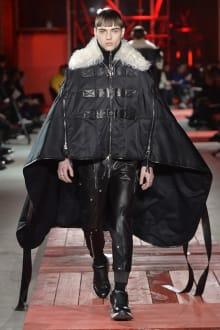 Alexander McQueen -Men's- 2018-19AW パリコレクション 画像26/40
