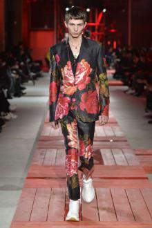 Alexander McQueen -Men's- 2018-19AW パリコレクション 画像29/40