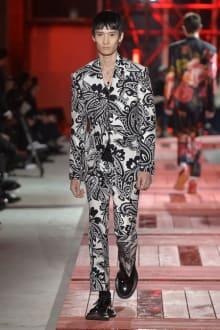 Alexander McQueen -Men's- 2018-19AW パリコレクション 画像31/40
