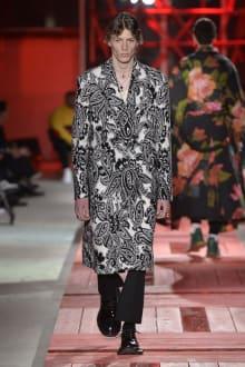 Alexander McQueen -Men's- 2018-19AW パリコレクション 画像32/40