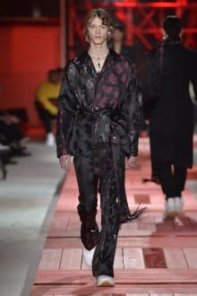 Alexander McQueen -Men's- 2018-19AW パリコレクション 画像36/40