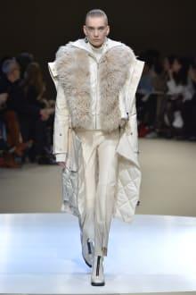 Alexander McQueen -Women's- 2018-19AW パリコレクション 画像7/42