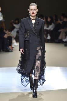 Alexander McQueen -Women's- 2018-19AW パリコレクション 画像21/42