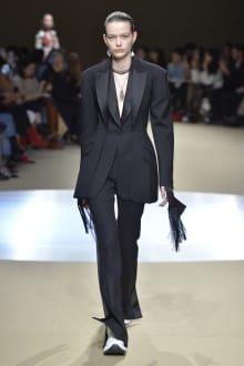 Alexander McQueen -Women's- 2018-19AW パリコレクション 画像39/42