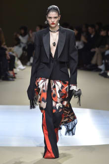 Alexander McQueen -Women's- 2018-19AW パリコレクション 画像41/42