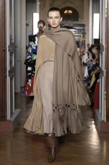 VALENTINO 2018-19AW Couture パリコレクション 画像26/82