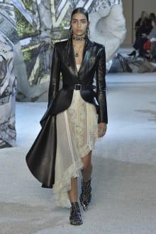 Alexander McQueen 2019SS パリコレクション 画像2/41