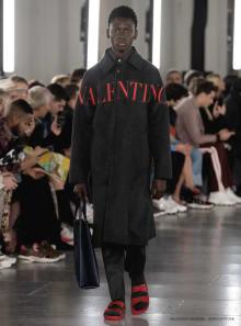 VALENTINO -Men's- 2019-20AW パリコレクション 画像33/69
