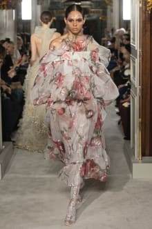 VALENTINO 2019SS Couture パリコレクション 画像24/73