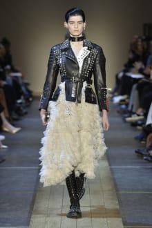 Alexander McQueen 2019-20AW パリコレクション 画像25/41