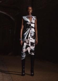 Alexander McQueen 2019 Pre-Fallコレクション 画像9/33