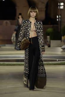 FENDI 2019-20AW Coutureコレクション 画像23/50