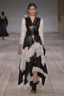 Alexander McQueen -Women's- 2020SS パリコレクション 画像5/42