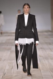 Alexander McQueen -Women's- 2020SS パリコレクション 画像18/42