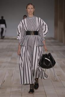 Alexander McQueen -Women's- 2020SS パリコレクション 画像20/42