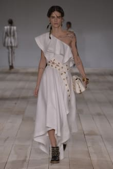 Alexander McQueen -Women's- 2020SS パリコレクション 画像24/42
