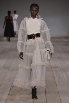 Alexander McQueen -Women's- 2020SS パリコレクション 画像27/42