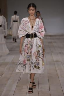 Alexander McQueen -Women's- 2020SS パリコレクション 画像28/42