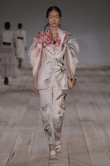 Alexander McQueen -Women's- 2020SS パリコレクション 画像29/42