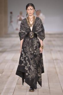 Alexander McQueen -Women's- 2020SS パリコレクション 画像32/42