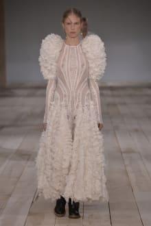 Alexander McQueen -Women's- 2020SS パリコレクション 画像33/42