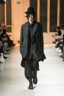 Yohji Yamamoto HOMME 2020-21AW パリコレクション 画像16/50