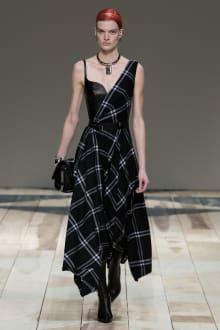 Alexander McQueen -Women's- 2020-21AW パリコレクション 画像5/47