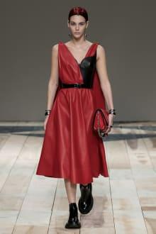 Alexander McQueen -Women's- 2020-21AW パリコレクション 画像9/47