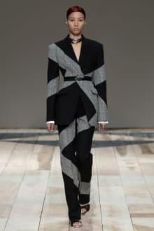 Alexander McQueen -Women's- 2020-21AW パリコレクション 画像10/47
