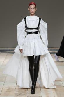 Alexander McQueen -Women's- 2020-21AW パリコレクション 画像11/47