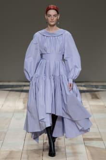 Alexander McQueen -Women's- 2020-21AW パリコレクション 画像13/47