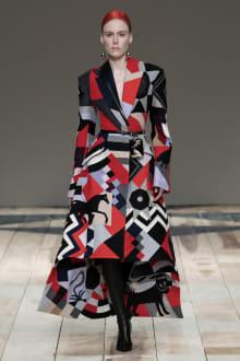 Alexander McQueen -Women's- 2020-21AW パリコレクション 画像18/47