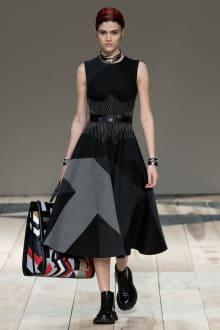 Alexander McQueen -Women's- 2020-21AW パリコレクション 画像21/47