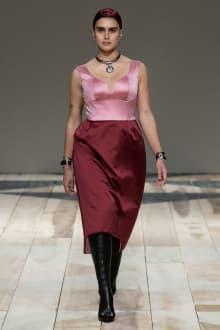 Alexander McQueen -Women's- 2020-21AW パリコレクション 画像23/47