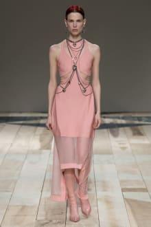 Alexander McQueen -Women's- 2020-21AW パリコレクション 画像25/47