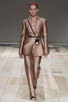 Alexander McQueen -Women's- 2020-21AW パリコレクション 画像26/47