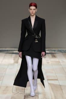 Alexander McQueen -Women's- 2020-21AW パリコレクション 画像30/47