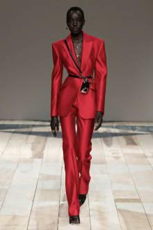 Alexander McQueen -Women's- 2020-21AW パリコレクション 画像34/47