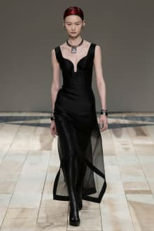 Alexander McQueen -Women's- 2020-21AW パリコレクション 画像36/47