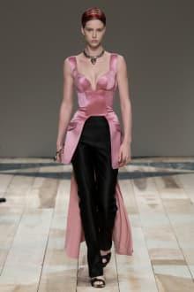 Alexander McQueen -Women's- 2020-21AW パリコレクション 画像42/47