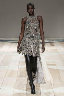 Alexander McQueen -Women's- 2020-21AW パリコレクション 画像44/47